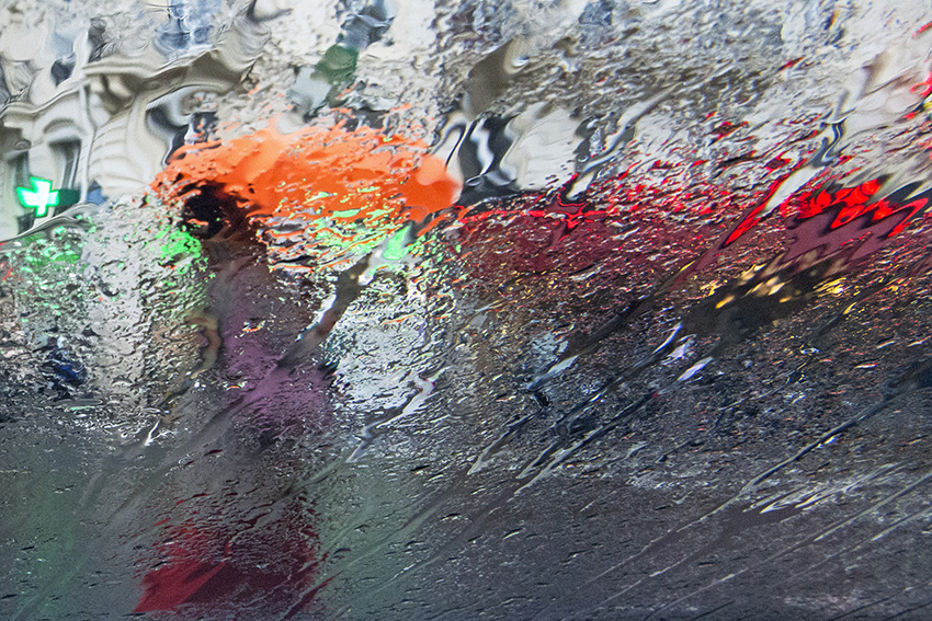 Le parapluie orange